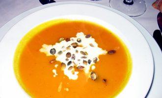 Trinta sriuba iš keptų moliūgų