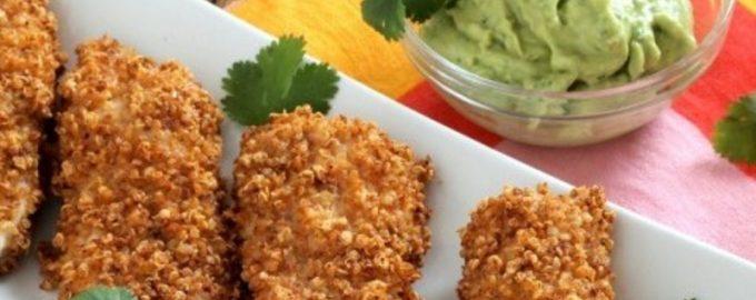 Vištienos nuggets kepsneliai su avokado padažu