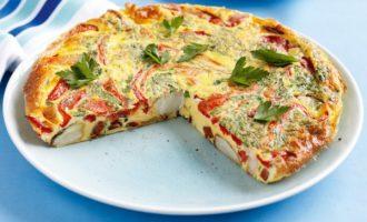Užkeptas omletas orkaitėje su daržovėmis