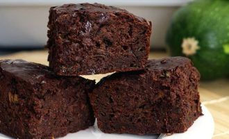 Cukinijų duona su šokoladu
