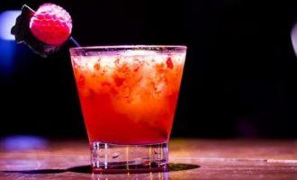 Alkoholinis kokteilis