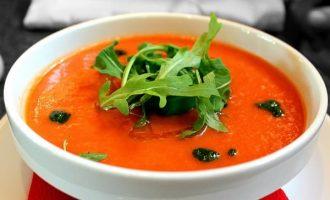 Šalta gaspačio sriuba iš pomidorų