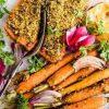 Užkepta lašiša su morkomis ir pistacijomis